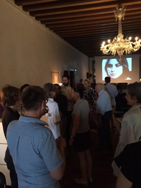 """5. Juni 2015. Salon Suisse der Pro Helvetia """"S.O.S. Dada"""" in Venedig. Gruppenbild mit Dame aus dem Film  """"In girum imus nocte et consumimur igni"""" (1978) von Guy Debord."""